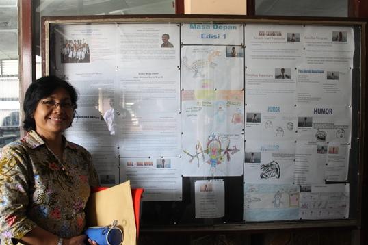 Ibu Ida Rahayu, sebagai wakil Kepala Sekolah Bidang Kurikulum
