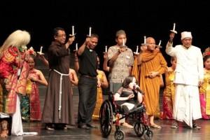 Tari Kecak Bali Kontemporer Fransiskus - Clara: Duta Damai 11 Oktober 2015